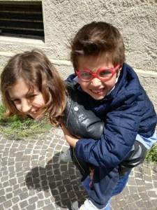 mostra bambini sorrisi