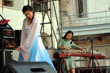 june danze cinesi