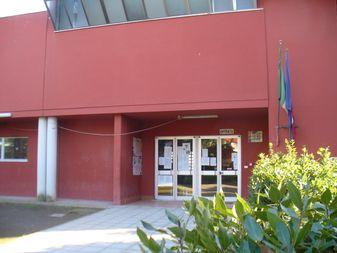 scuola torbella ingresso 2