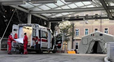 Luca Toni - coronavirus tenda ambulanza proto soccorso