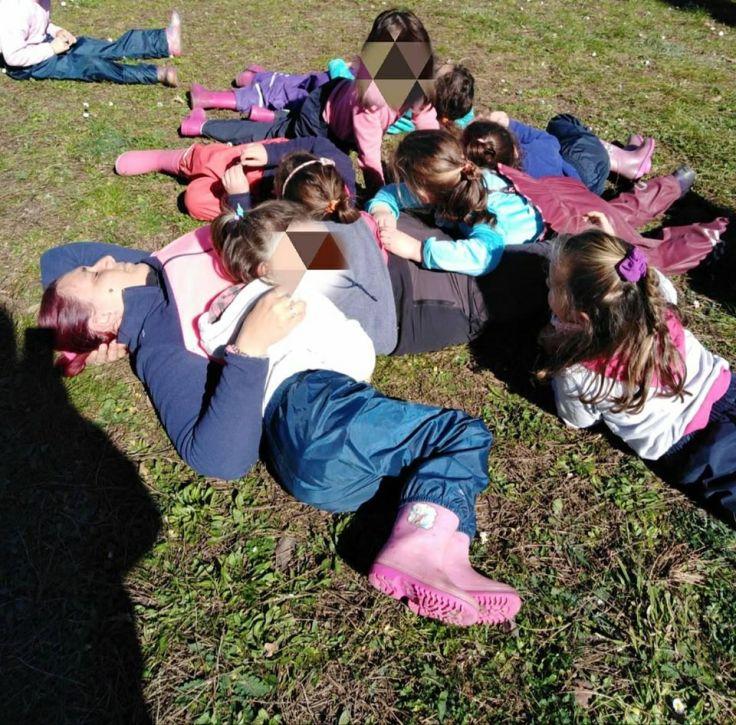 valentina e tiziana con i bambini